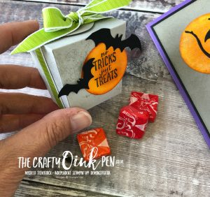 Spooky Sweets Take out Halloween Treat Box and Bat Punch by Mikaela Titheridge, #6UK Independent Stampin' Up! Demonstrator, The Crafty oINK Pen. Supplies available through my online store 24/7