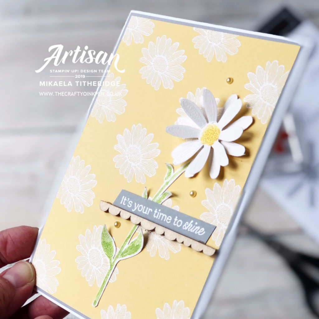 Daisy Lane Heat Embossed Card (no punch) for a Spring/Floral themed card by Artisan Design Team Member 2019, Mikaela Titheridge, UK Independent Stampin' Up! Demonstrator, The Crafty oINK Pen. Supplies available through my online store 24/7