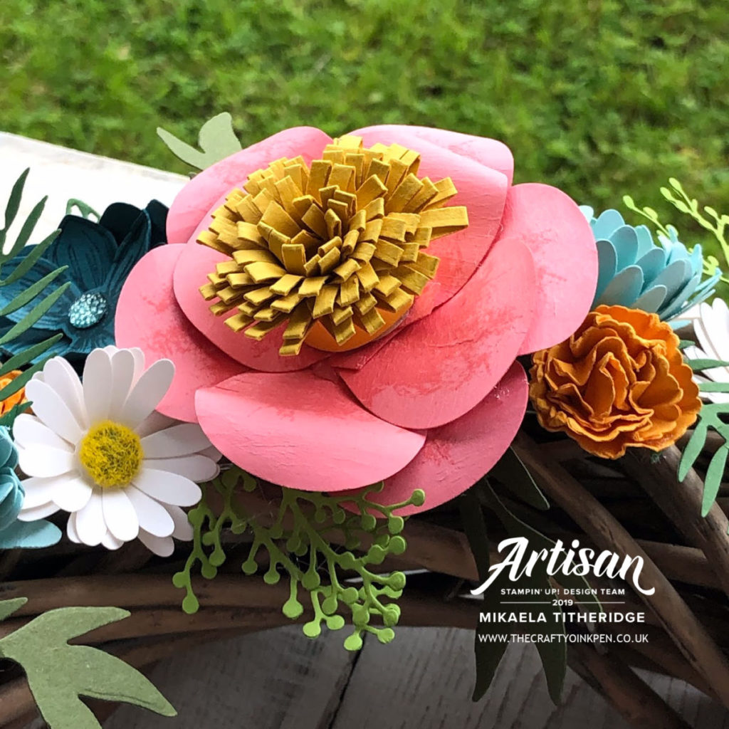 Floral Wreath using Hot Air Balloon Punch, Daisy Punch, Scalloped Circle Punch, Good Morning Magnolia Dies and Bloom and Grow by Artisan Design Team Member 2019, Mikaela Titheridge, UK Independent Stampin' Up! Demonstrator, The Crafty oINK Pen. Supplies available through my online store 24/7